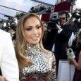Jennifer Lopez, il consiglio alle donne: «Gli uomini al di sotto dei 33 anni sono inutili»