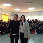 Sal Da Vinci ospite a sorpresa nella scuola Alpi-Levi di Scampia