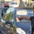 Guerra ai parcheggiatori abusivi: multati in diciannove