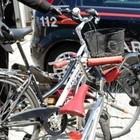 Ladri di biciclette bloccati su un treno della Circum