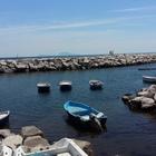 Il mare bagna Napoli. Da giugno docce per tutti, per i wc si conta su sponsor privati