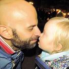 Luca, papà single e omosessuale: «Io e la mia Alba, che coppia»