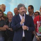Festa M5S, Fico: «Acqua pubblica, non cediamo: Pd sia responsabile»