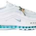 Jesus Sneaker, sold out la Nike con crocifisso e acqua santa nelle suole: costa 3.000 dollari