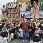 Processione di Pasqua al Vomero, un migliaio per un rito di 220 anni