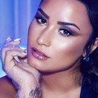 Demi Lovato ricoverata in gravi condizioni a Hollywood per un'overdose da eroina