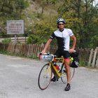 Va a trovare i genitori in bici a 1.200 km: il viaggio di Antonio dal Piemonte a Salerno