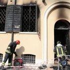 Immigrato incendia sede dei vigili urbani: due morti