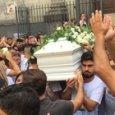 Napoli, morto per pulire lucernario: dolore ai funerali di Salvatore