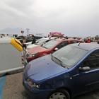 Pasquetta a Napoli: caos, abusivi, rifiuti e lungomare assediato