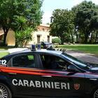 Un raptus, poi sputi sui passanti: sul Corso arrivano i carabinieri