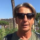 L'ultimo saluto dei napoletani a Luciano De Crescenzo: «È stato un maestro di vita»