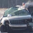 Auto si ribalta in un campo, morti cinque bambini