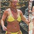 Britney Spears in bikini al mare con la madre Lynne (Nuovo)