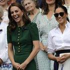 Meghan e Kate sorridenti in tribuna: le duchesse rivali hanno fatto pace?