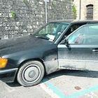 Terreno espropriato: litiga   con il sindaco e si incatena in auto