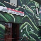 Ponticelli, rinasce la stazione Eav con la street art e i colori della natura