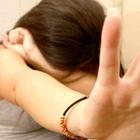 Tenta di stuprare 14enne: salva grazie alla mamma
