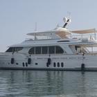 Approda a Casamicciola «Vanadis», il primo yacht «ibrido» d'Italia