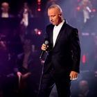 Eros Ramazzotti operato, stop al tour: «Devo fermarmi». Cosa è successo al cantante