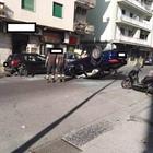 Napoli, auto si ribalta a Fuorigrotta dopo carambola: illeso il conducente