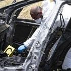 Il rogo della coppia a Torvaianica: «Uccisi e bruciati per vendetta»