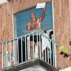 Si barrica in casa in Fb live:  «Ossessionato da 'ndrine»