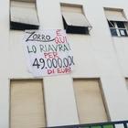 «Zorro è qui, ecco come riaverlo», in Campania altro slogan anti-Salvini