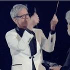 Sanremo, Baglioni «litiga» con il maestro Vessicchio e gli spezza la bacchetta