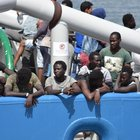 Sbarcano 413 migranti a Reggio