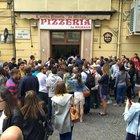 Ma è davvero necessario fare la fila per avere una pizza?