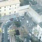 Raid alla commemorazione di Totò, olio dal balcone sulle moto dei rivali