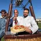 Pizza Margherita da record: in mongolfiera a 1275 metri Video