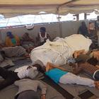 Sea Watch, autorizzato lo sbarco di dieci migranti a Lampedusa