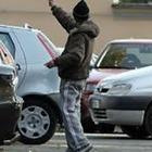 Guerra ai parcheggiatori abusivi: si dividevano i quartieri in maxi aree