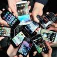 Da Apple a Samsung, parte la sfida natalizia degli smartphone. Google frena Huawei