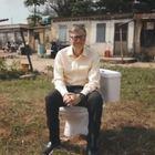 Bill Gates: «Ecco il wc del futuro per salvare milioni di vite», funziona senz'acqua e senza fognature Video