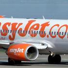 Tenta di aprire portellone aereo, paura sul volo Londra-Pisa