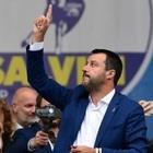 Salvini a Milano con i sovranisti: «Pronto a dare la vita per l'Italia»