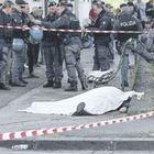 Napoli, omicidio davanti alla scuola: decine di stese senza telecamere