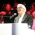 Baglioni: «Di Capri merita il premio alla carriera di Sanremo»