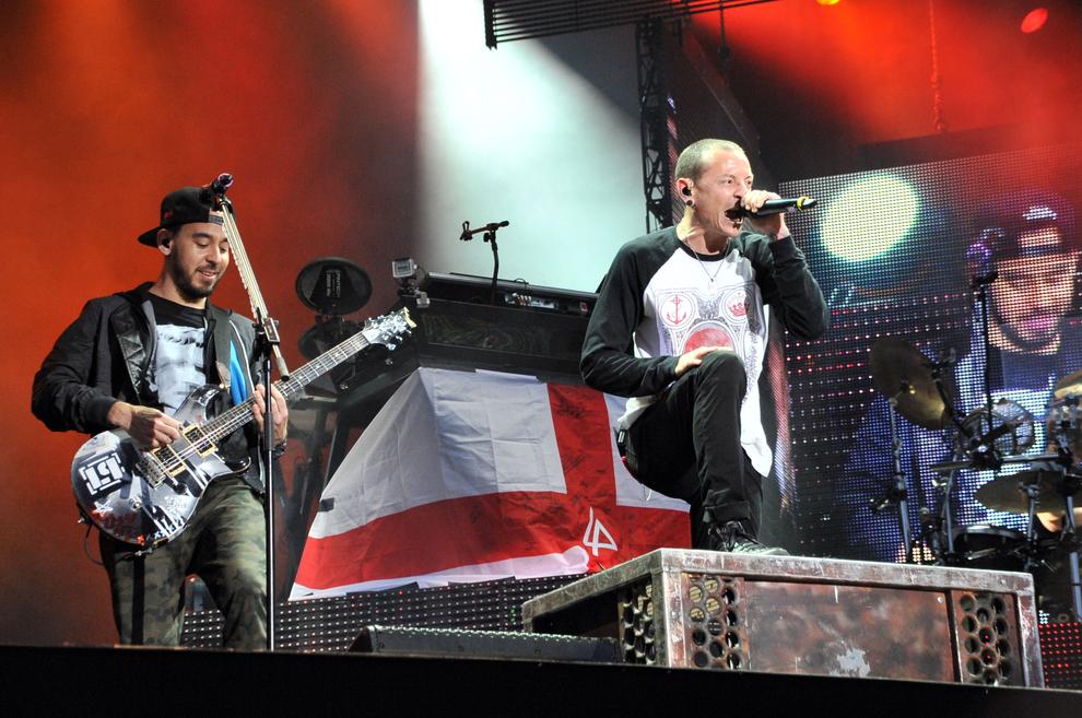 Chester Bennington: I Linkin Park lanciano l'hashtag #ripchester