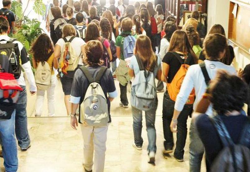 I ragazzi delle scuole medie non possono andare a casa da soli